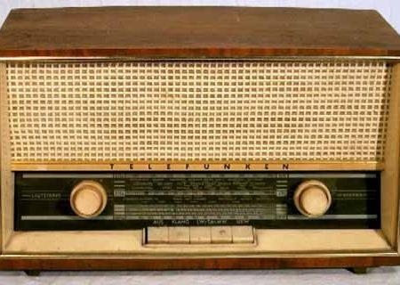 Ces chanteurs qui font de la Radio..