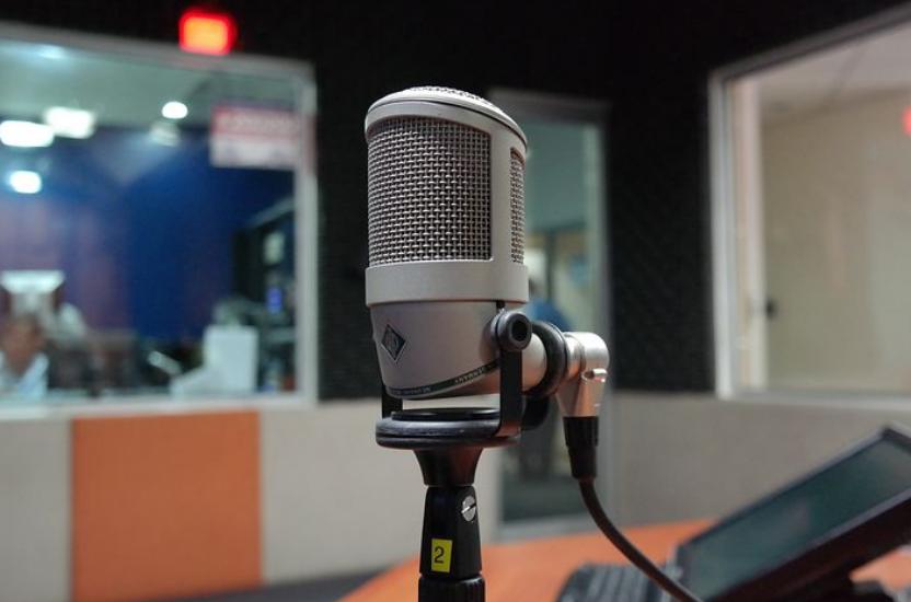 Un directeur d'antennes radio en Martinique a tenté d'interdire à ses animateurs de parler créole dans leurs émissions